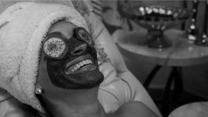 """Escena de la película """"Blancanieves"""" (2012)."""